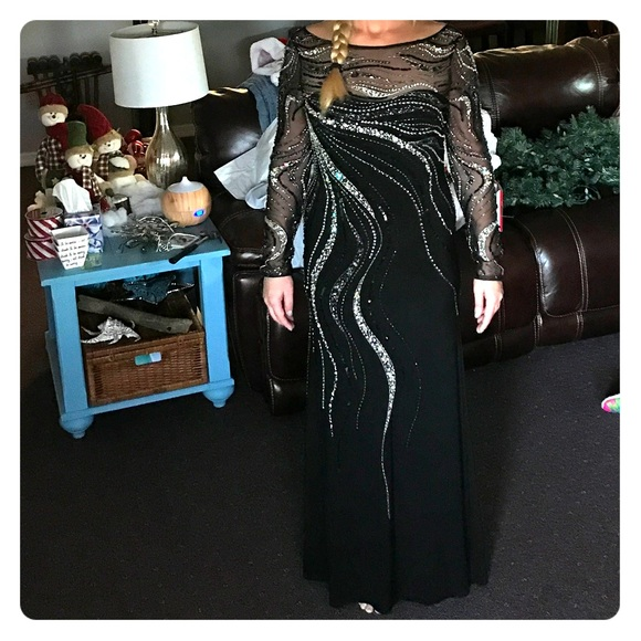 Dresses   New 550 Saks Fifth Ave 8 10 Beautiful Formal Gown   Poshmark